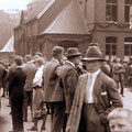 08_166_99a-5 Oeger Schule, Schulhof