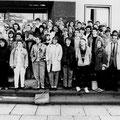 62_1427_ franzäsischer Schüleraustausch, rechts 2 Lehrer vom Gymnasium 1988