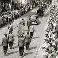 19_2770_Festzug Stennertstr.  1955  Bild J. Eisermann
