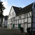 142_2674_Fachwerkhäuser in Hlbg