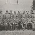 64_1505_Polizeiverwaltung Hohenlimburg, Gruppenbild der Polizeibeamten und anderer Angehöriger der Polizeiwache, 1930
