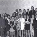 62_1419_1. Klassentreffen 1957 bei Marta Pollmann im Hohenlimburger Hof. Entlassungjahr 1952, Oeger Schule