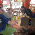 Im Cafe Abel vor dem Oberreitnauer Kinderumzug