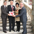 Landtagssitzung Übergabe 10.000 Unterschriften gegen den Pflegeregress