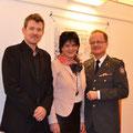 Musiker Benjamin Ziervogel, ich und Landesrettungskommandant Georg Tazoll am 16. Dezember 2015