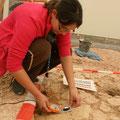 Messung des Einfallen der Schichten mit dem Geologenkompass