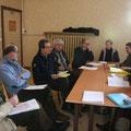 Le doyenné du pays d'Alençon ; on reconnaît à gauche sur la photo : P. Bernard Barré, Jean-Marie Poussin, PP. Loïc Gicquel des Touches et Jean-Pierre Crétois ; en face, l'équipe pastorale de Sainte Thérèse