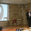 La conférence était donnée par le Père Thierry Hénault-Morel (bien connu dans la paroisse !!!)...
