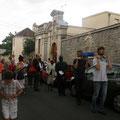 Départ de la procession en direction de l'église de Montsort