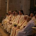 ... les prêtres et diacres