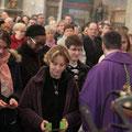 Ils ont été appelés pour recevoir des mains de l'évêque, Mgr Habert, un triptyque sur lequel figurent les prières chrétiennes