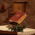A la Basilique, la Bible avait été mise à l'honneur