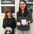 Mdaille an Michelle Treinen und Luisa Brunder / VSE