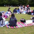 お昼は公園でスカウト弁当をいただきました。
