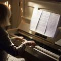 Ursula Mühlberger am Klavier . Foto: © Dennis Merbach