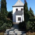 Treppenanlage zu einer Kirche. Bauherr: Gemeinde Eichelborn.
