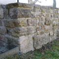 Natursteinmauer aus Kalkstein. Bauherr: Gemeinde Eichelborn.