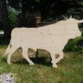Kleinerer Stier, sofort lieferbar, nicht gestrichen: Größe 1,60m lang und 0,96m hoch // Preis: 180,00 Euro