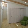 床板はボンデロサパイン170mmの幅広タイプ