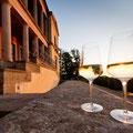 Weingläser - die Villa Ludwigshöhe (Copyright/Fotograf: Rheinland-Pfalz Tourismus, Dominik Ketz)