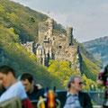 """Romantische Burgenwelt im """"Tal der Loreley"""" (© RLP)"""