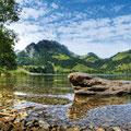 Der Schwarzsee inmitten wunderschöner Natur (Fribourg Region). © UFT / Adrian Aeby