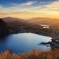 Abendlicher Ausblick vom Monte Bre auf Lugano und den San Salvatore (Tessin). © Switzerland Tourism / Andreas Gerth