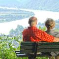 Rastplätze mit wunderschöner Aussicht laden zum Verweilen ein (© RLP)
