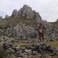 bei den Gräbern von Nscho tschi & Intschutschuna