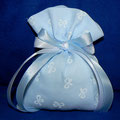 sacchetto azzurro fiocco bianco