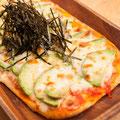 木更津海苔とアボカドのピザ