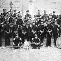 Anni '30 - formazione bandistica diretta dal M° Angelo Tornabene