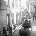 Un enterrement rue de Namur