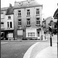 Carrefour de la rue de Namur et du boulevard Fleur de Lys. Cette maison a été démolie