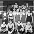 """1933 - Le club de Boxe à Nivelles. Salle d'entraînement """"Bastin"""", rue des Brasseurs"""
