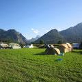 ein Teil des Camps, zur Abwechslung mal ohne Regen
