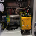 Verdrahteter Schaltkasten und Programmierte Kleinsteuerung