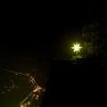 Ein Weihnachtsstern über dem Elbtal