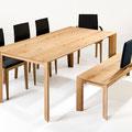 Serie SR 1 in Light Eiche und schwarzem Leder: Tisch mit Bank und Stühlen