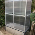 "Tomatenhaus ""Emma"": 147 x 76 cm, 8 mm Doppelstegplatten;   auf Aluminiumhochbeet"
