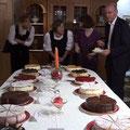 Das Kuchenbuffet der Rosenstube, Fuschl am See wird eröffnet.