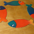 Tavolo PESCI  decorazione : incisione su legno, acrilici, resina epossidica