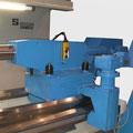 Massiver Reitstock mit Pinole 160 mm, hier mit der Option hydraulischer Reitstock inkl. Bettklemmung und Option elektrisch verfahrbar.