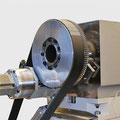 Vollwertige C-Achse mit einschwenkbaren Antrieb und hochauflösende Messtechnik.