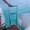 Escalera baño alquiler barco Sacs S33