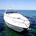 Vista de la proa del barco de alquiler en Ibiza