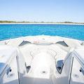 Barco alquiler con proa abierta