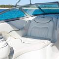 Cómodos asientos para disfrutar navegando