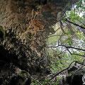 Entrance to the Kaminaki cave.