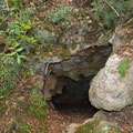 Small opening which is located some metres below the entrance to the Tripa tou Pelaou cave.